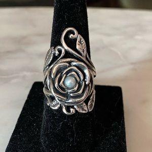 Rose 🌹 pearl ring